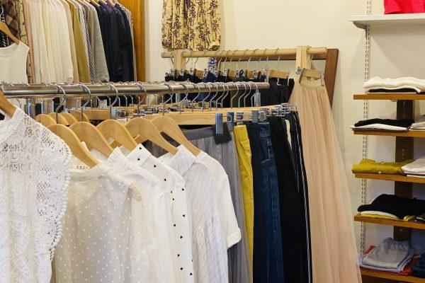 宮崎のセレクトショップJUJUの婦人服コーナー